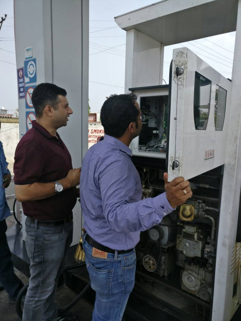 #Quality&amp;Quantity inspections carried out by officials in Jammu and kashmir @HPCL retail outlets @subodhbatra10 @74radhika @Rg03Goel<br>http://pic.twitter.com/3VKxAyEXM4