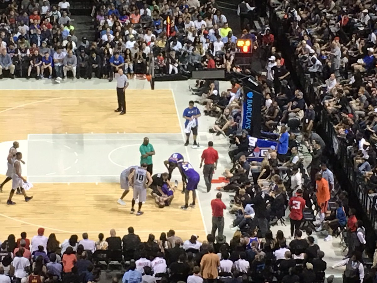 Jason 'white chocolate' Williams down. Knee gave way. #BIG3 #gospursgo...