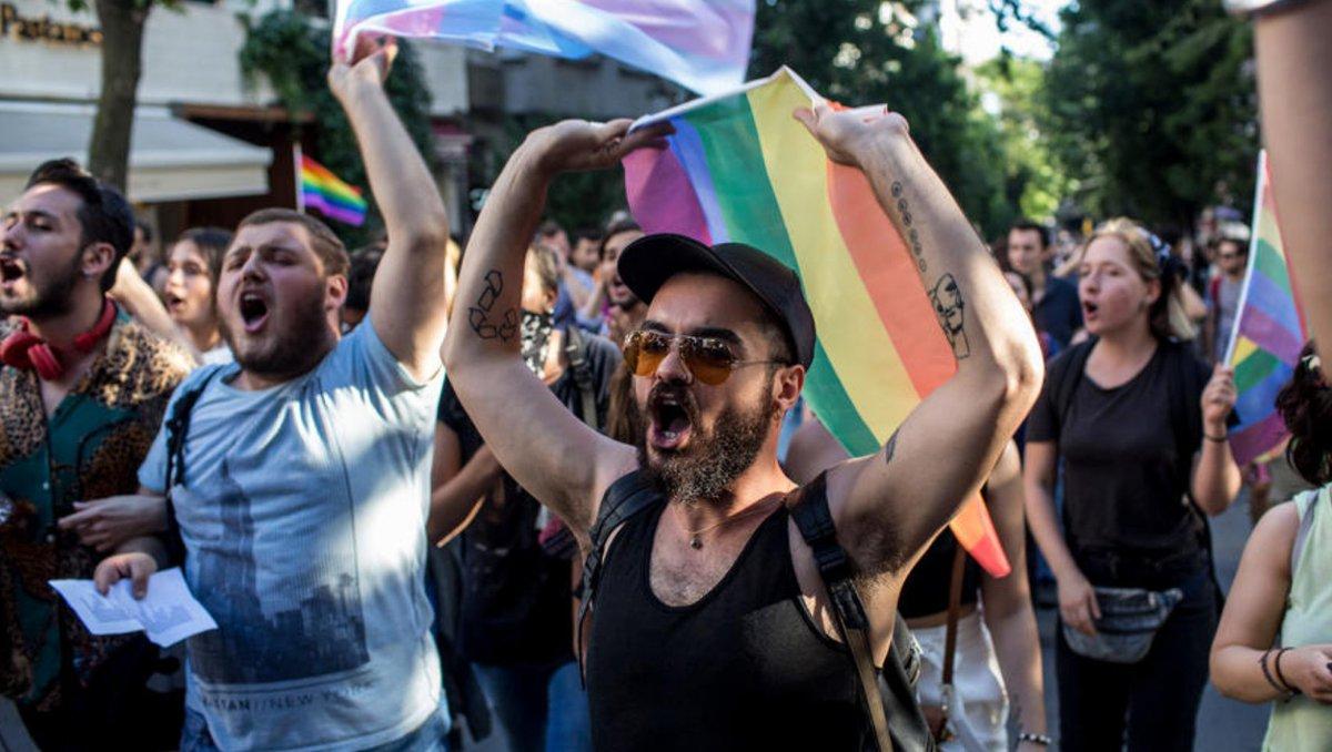 Турецька поліція розігнала марш ЛГБТ