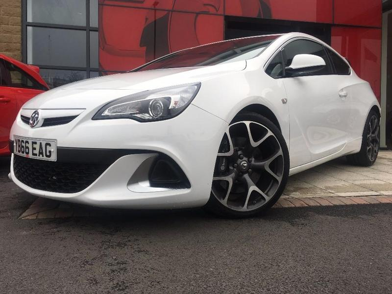 Latest stock! #Vauxhall #AstraGTC in White £18,994 -  http://www. perrys.co.uk/vauxhall-astra -gtc-2.0t-16v-vxr-3-door/used-car-75543-22760154?referring_site=twitter &nbsp; …  View this &amp; more #cars &amp; #vans for sale <br>http://pic.twitter.com/PWhVS4VL4E