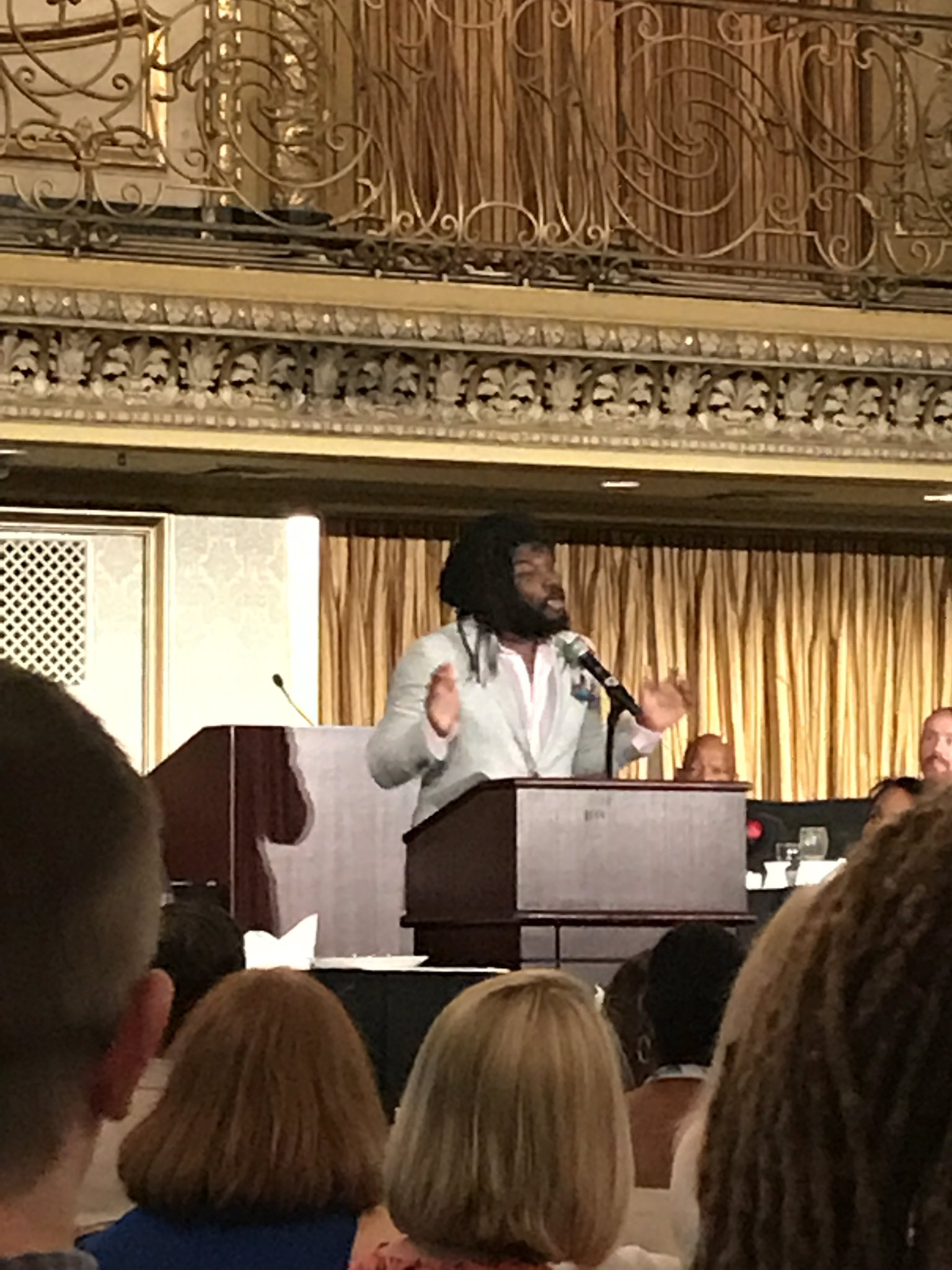 How does @JasonReynolds83 talk about a potato and bring me to tears? 😭#ALAAC17 #corettascottking https://t.co/upLlBjyKhA