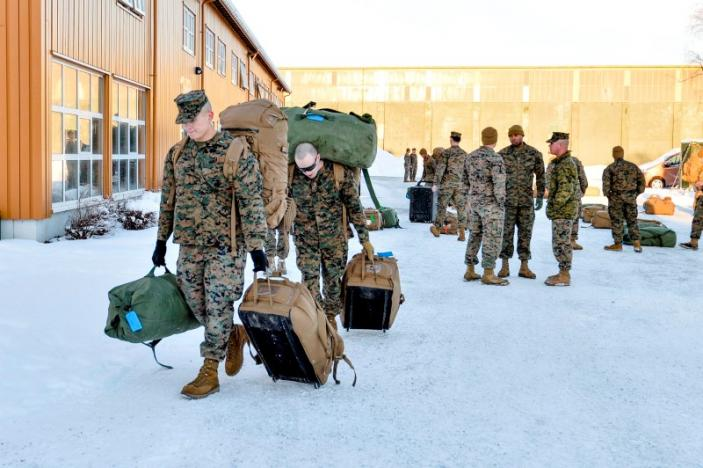 #Norway decides to extend presence of US #Marines, #Russia says this could escalate tensions in Northern #Europe.  http://www. reuters.com/article/us-nor way-usa-russia-idUSKBN19F0AL &nbsp; … <br>http://pic.twitter.com/bRtBHKqZEw