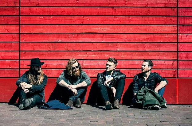 &quot;we always wanted a big rock sound&quot;, says vocalist Will from Hunter &amp; The Bear @HunterTheBear to Grande Rock  http://www. grande-rock.com/interviews/hun ter-and-the-bear-2017 &nbsp; …  #rock <br>http://pic.twitter.com/s9dwquSatq