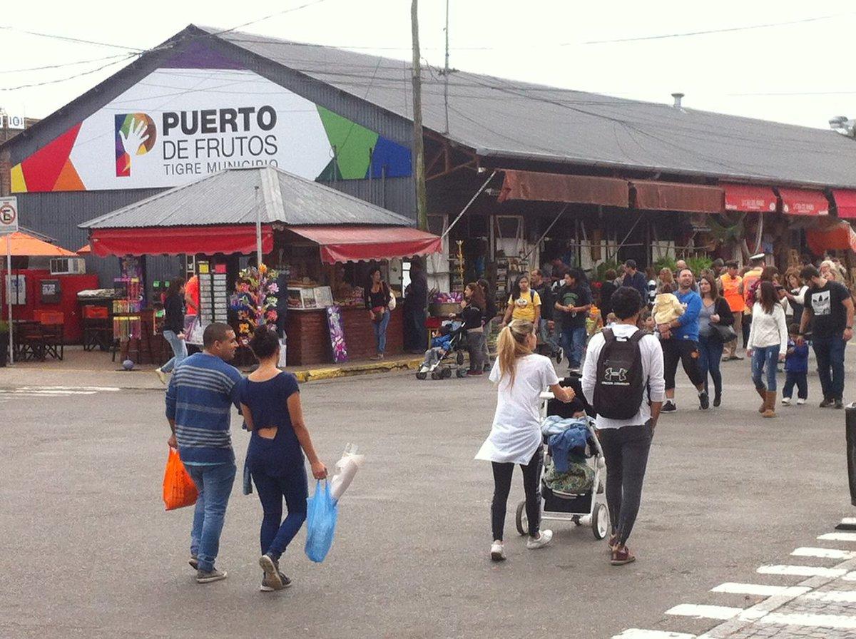 """Resultado de imagen para Delta Trucks"""" en el Puerto de Frutos de Tigre"""