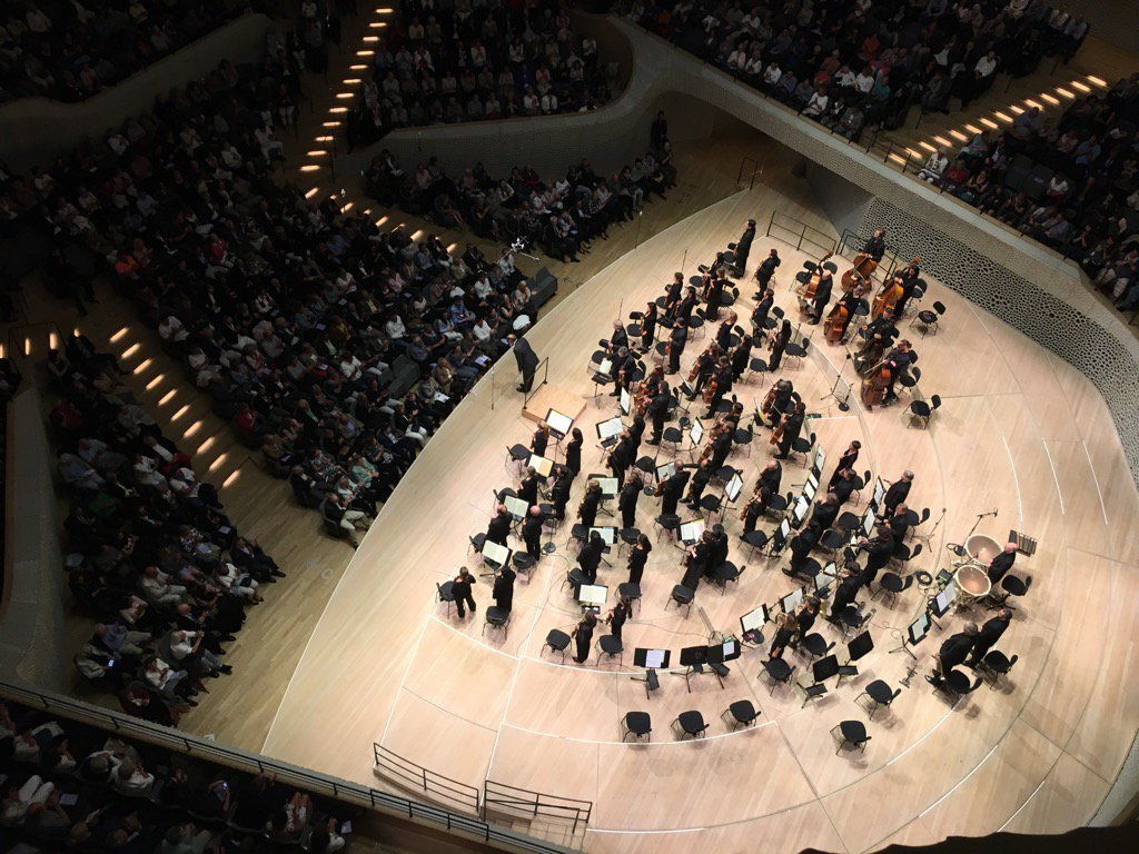 Listening to #Beethoven at #Elbphilharmonie Hamburg <br>http://pic.twitter.com/FTbT7a80XI