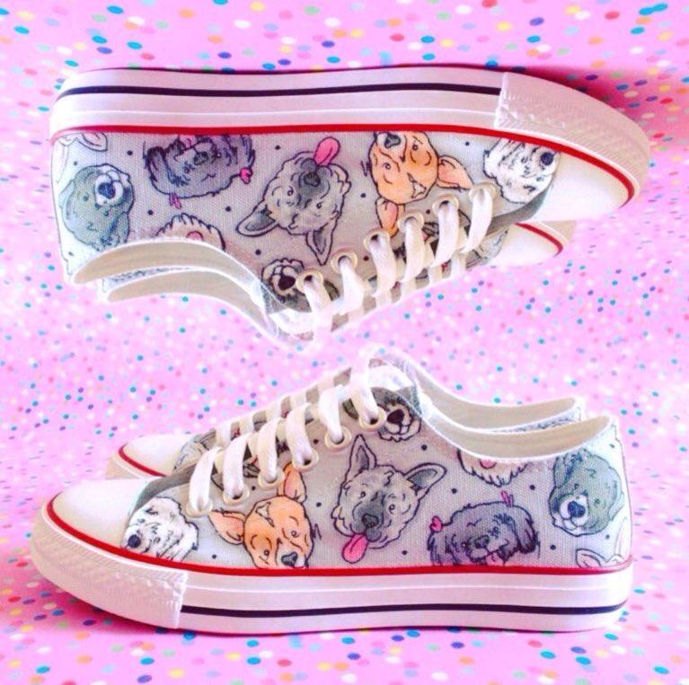 Pets on pumps  http:// gemsville.etsy.com  &nbsp;   #crafthour illustration #pet #portrait #custom #sneakers #shoes #dog #dogsoftwitter #craftbuzz<br>http://pic.twitter.com/s0jOJRnJKe