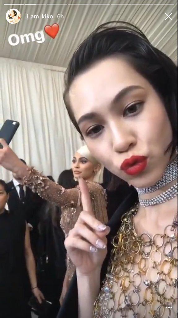 Kiko Mizuhara taking a selfie of Kylie Jenner taking a selfie  #MetGala <br>http://pic.twitter.com/vsGzZccebb