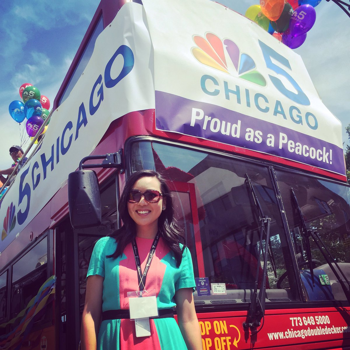 Happy #Pride, #Chicago! Here&#39;s a throwback to our parade a few years ago. Have so much fun today! parade kicks off in 30 min! <br>http://pic.twitter.com/1V52qLx278