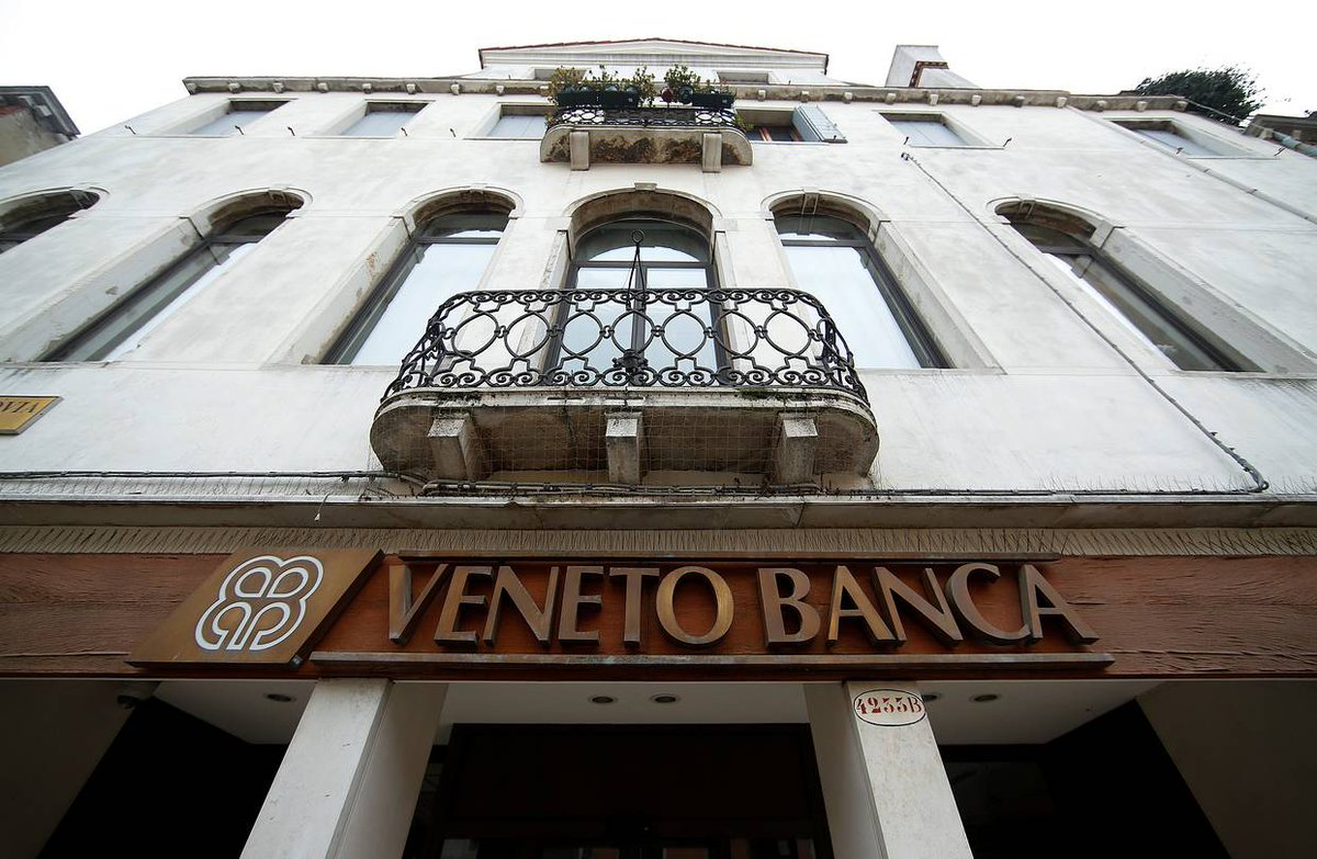 #Italy Cabinet approves decree for Veneto banks de facto bail-out. Govt injects €5.2bn cash + up to €12bn guarantees  http:// bit.ly/2rQBPqG  &nbsp;  <br>http://pic.twitter.com/Ibuk5TB4QB