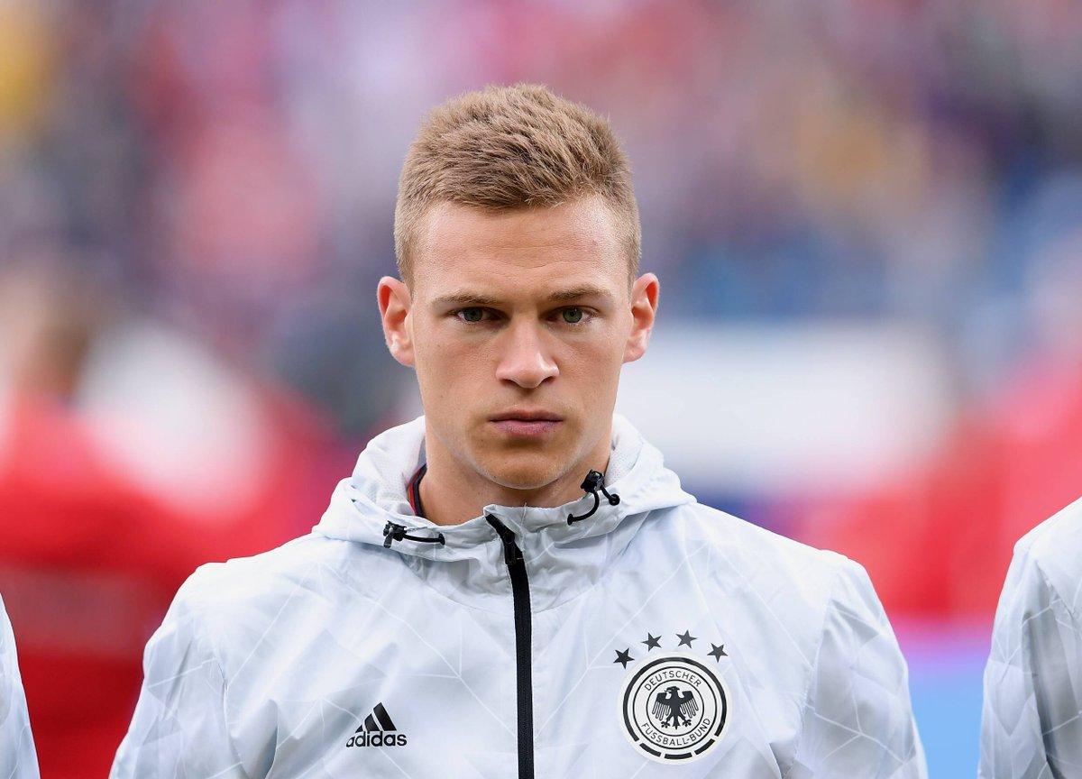 """FC Bayern München on Twitter """"Joshua Kimmich trägt nach der"""