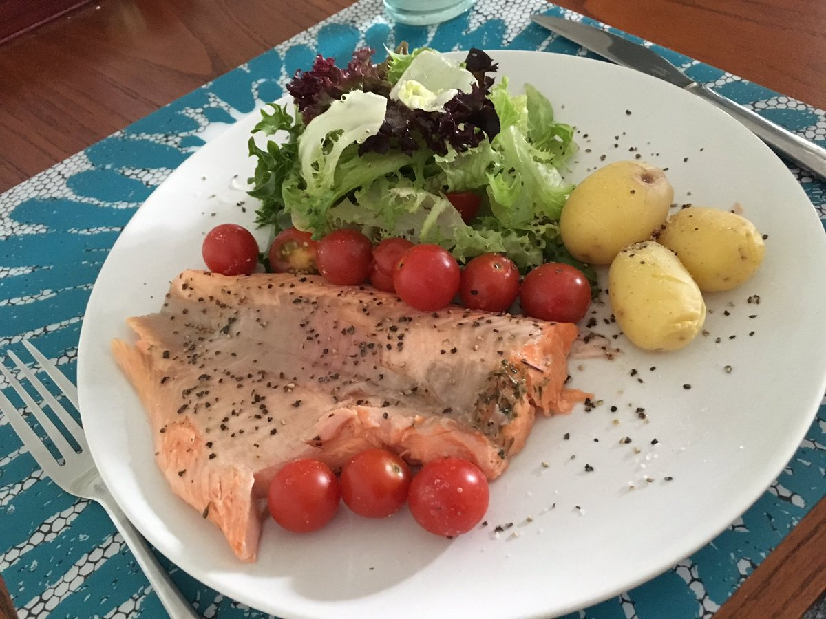 Freshly caught trout for dinner..delish! #fish #foodie #fitness #healthy #fitfam #gym #gymlife #nutrition #Startups #Food #defstar5 #mpgvip<br>http://pic.twitter.com/tqUwLgSx7s