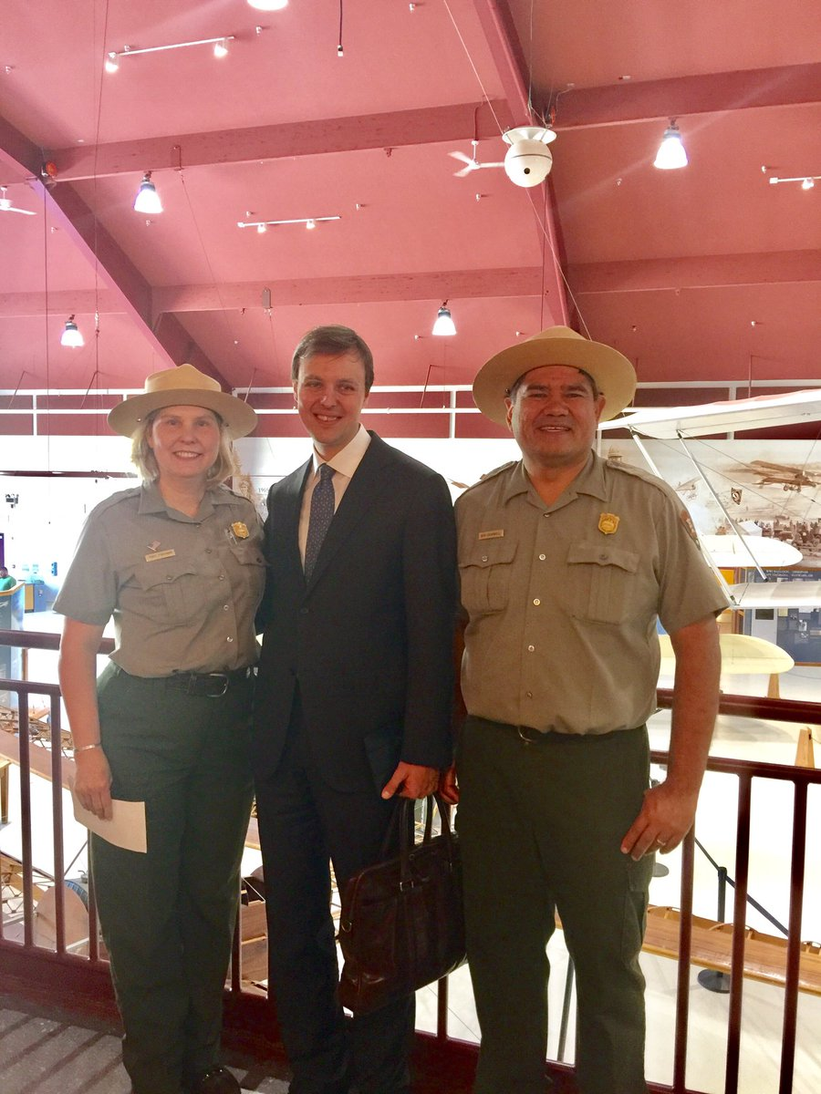 Supt. Fortmann, Acting Head of section, Depart. of North America Matveev, &amp; Ranger Cromwell view the Transpolar exhibit #npwest #VanWa #pdx <br>http://pic.twitter.com/uyLDH8kBnm