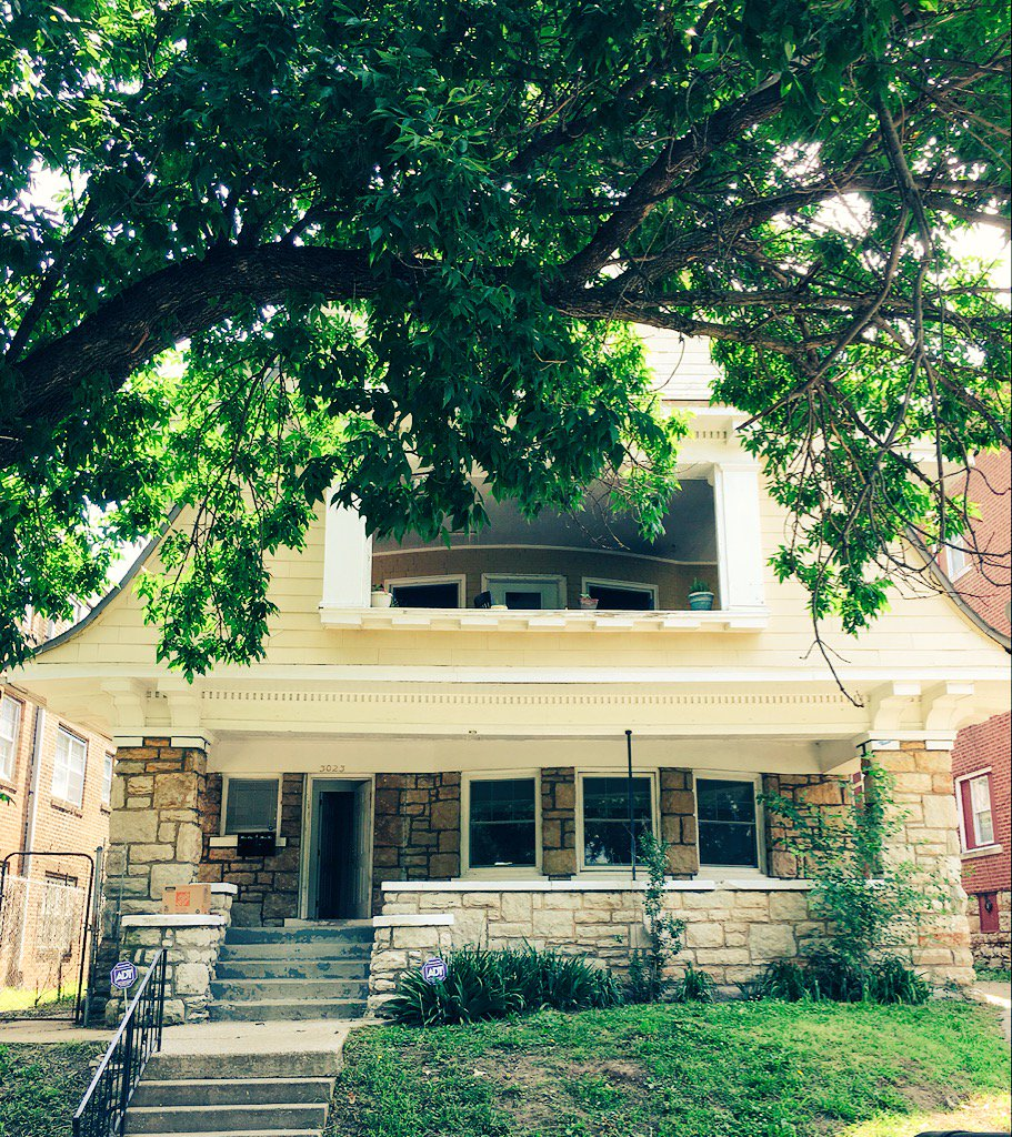 #kansascity #renovation on #paseo complete #historickc 100 year old house on #troost #park #31street<br>http://pic.twitter.com/5zEwhESfgU