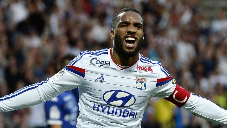 How much do you know about Arsenal target Alexandre Lacazette? Brush up on your knowledge with these 10 facts: https://t.co/O3PyulpqEG