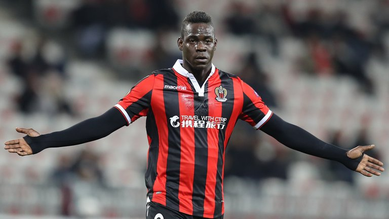 Mario Balotelli 'happy' after agreeing Nice contract extension: https:...