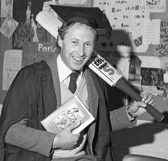 Happy 62nd Birthday to Somerset legend Vic Marks! 🎉  #WeAreSomerset https://t.co/ribxNct3N4