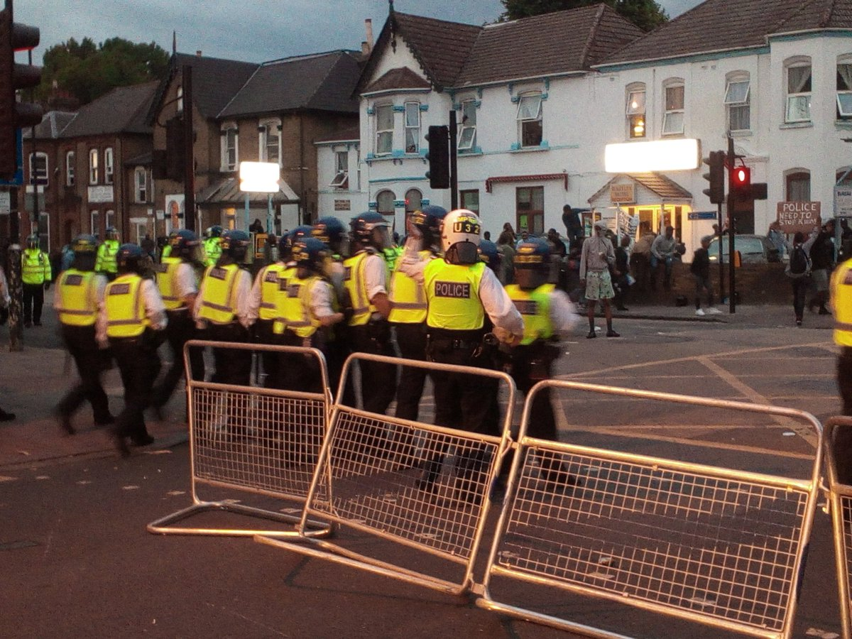 Tensions mounting outside Forest Gate as riot police arrive in numbers https://t.co/kuhbVvUcKn