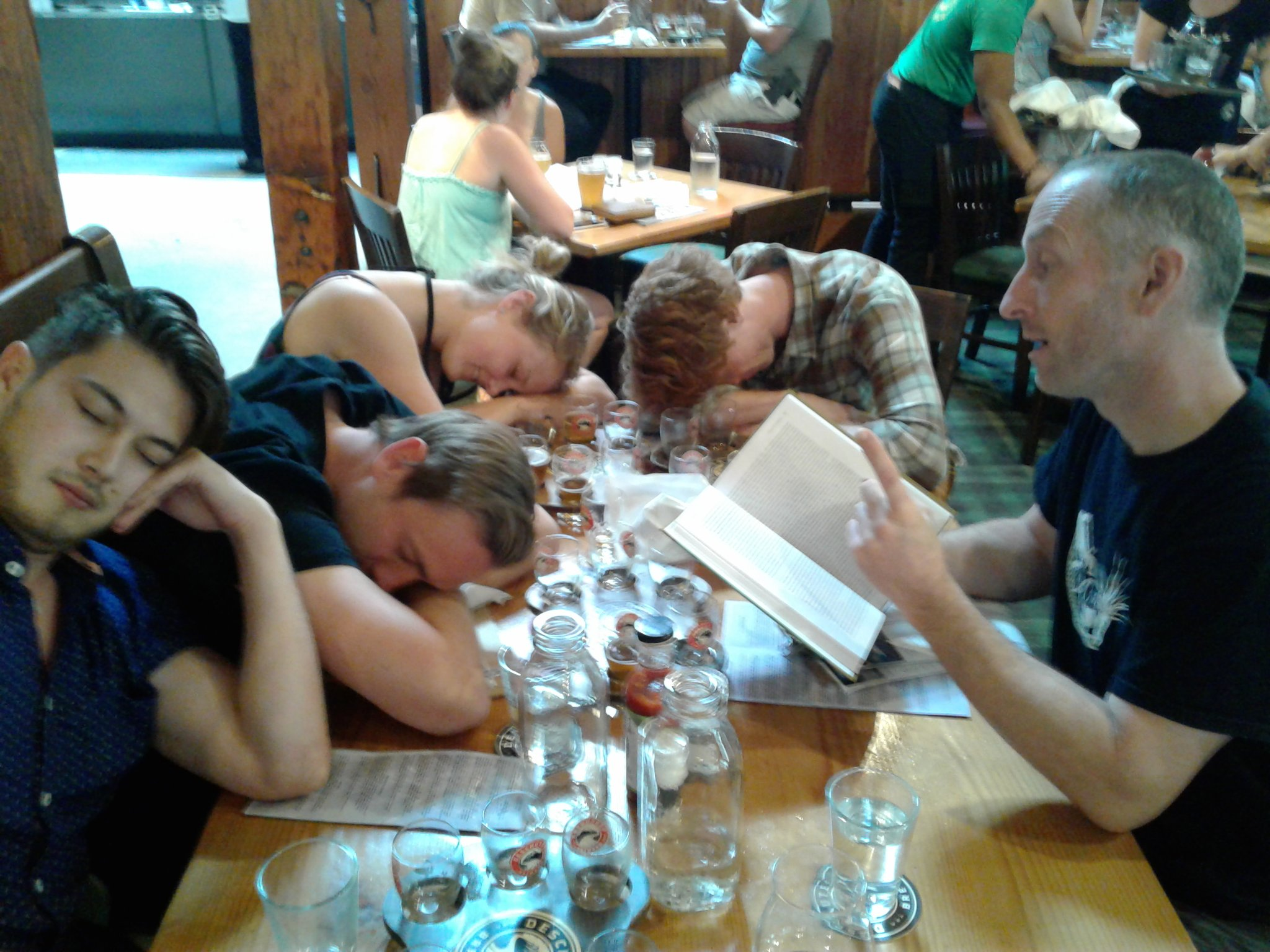 Students invited me to lunch and then had the nerve to fall asleep. #PeopleWhoFellAsleepReadingMyBook #evol2017 https://t.co/nesZ0ZWyFR