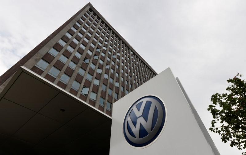 Volkswagen's Slovak unit and union reach wage deal, ending six-day strike - VW spokeswoman https://t.co/8ZwTFXwrcl