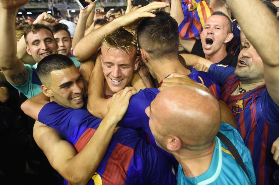 EN DIRECTO: Ascendidos a LaLiga 123, Barça B y Albacete. https://t.co/...