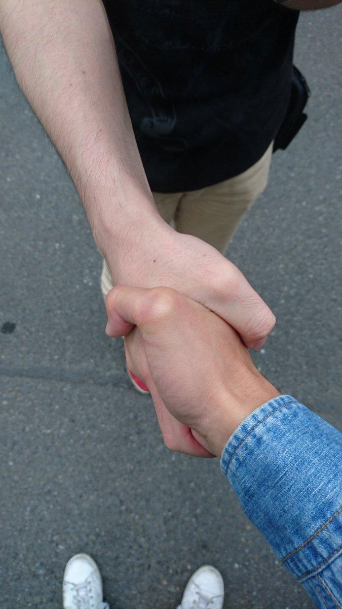 浜松発の深夜バスで知り合ったオタク、徒歩一分どころか10~20メートル圏内のご近所さんだったことが判明し、握手してしまった