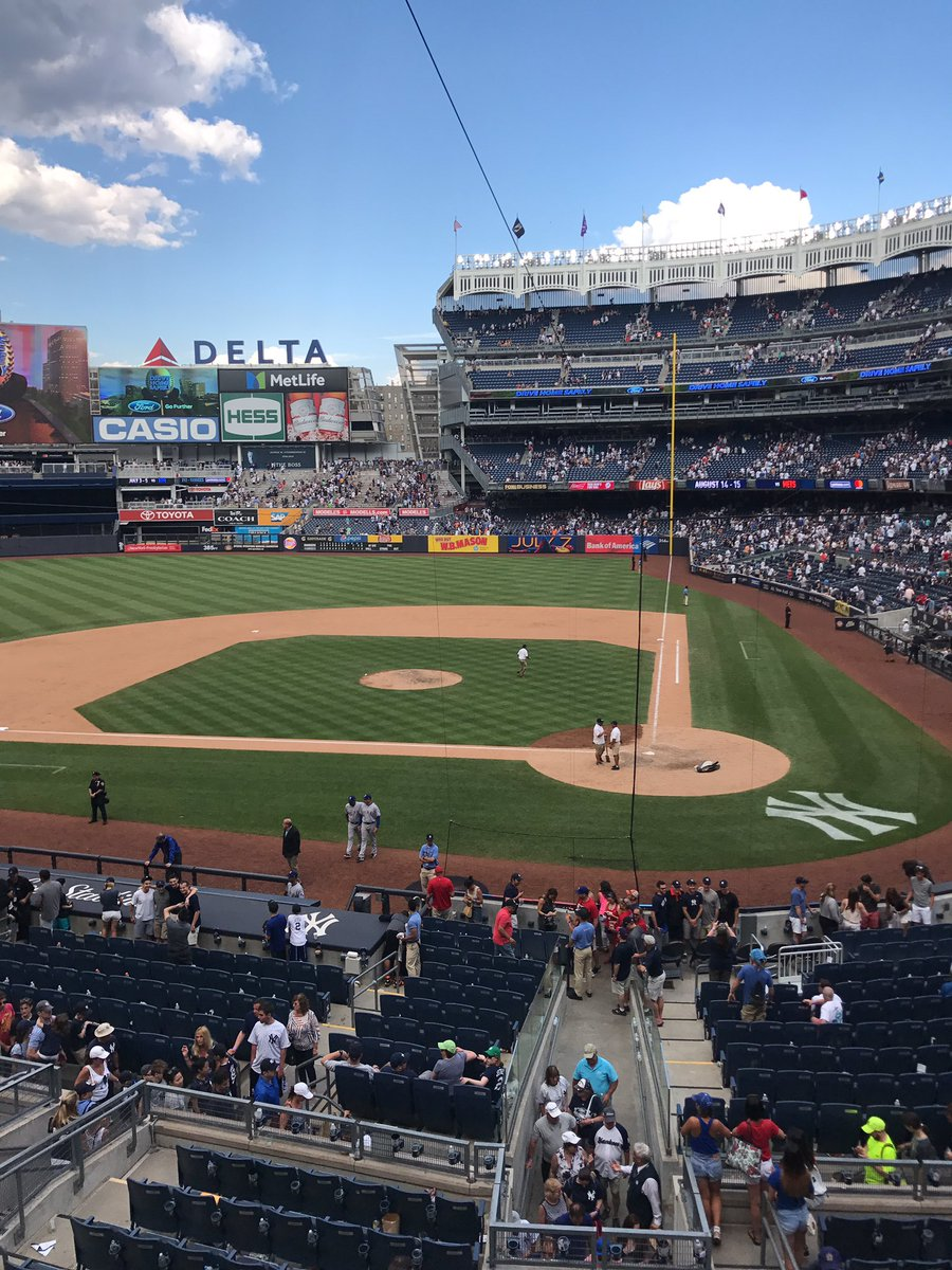 Great day at the ballpark! Beautiful @Yankees stadium! #baseballfan <br>http://pic.twitter.com/EkjvNgQo7I