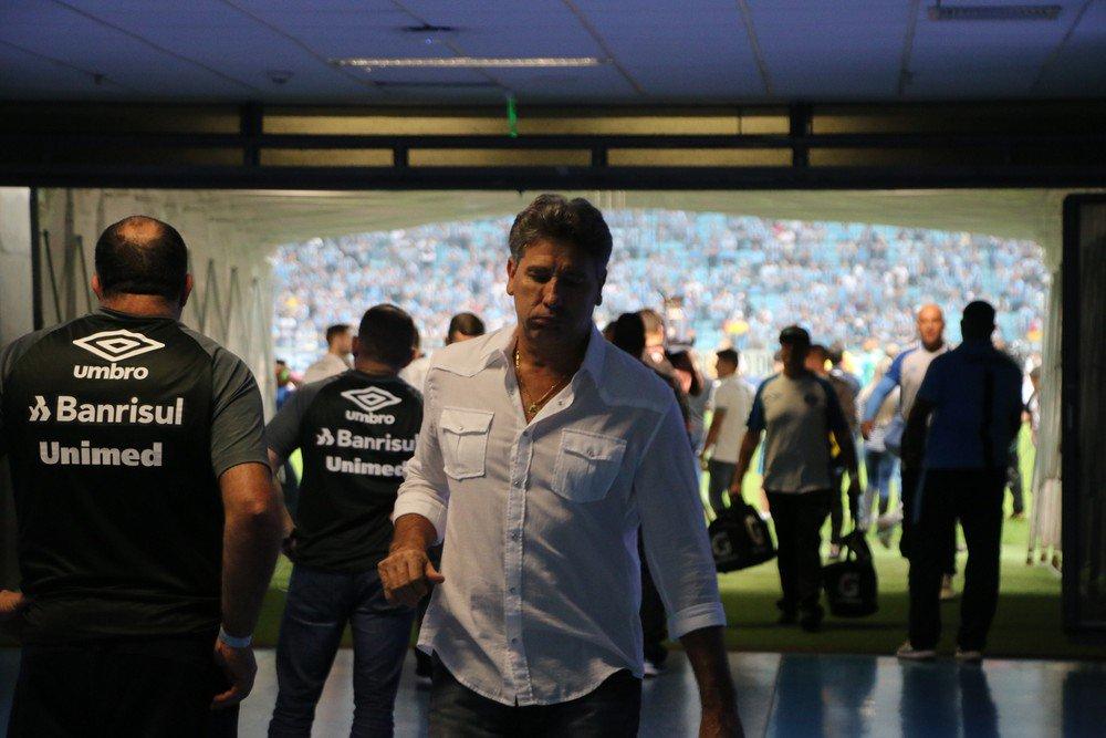 Renato defende Grohe e elogia Timão em dia 'tarde muito feliz' de Cáss...