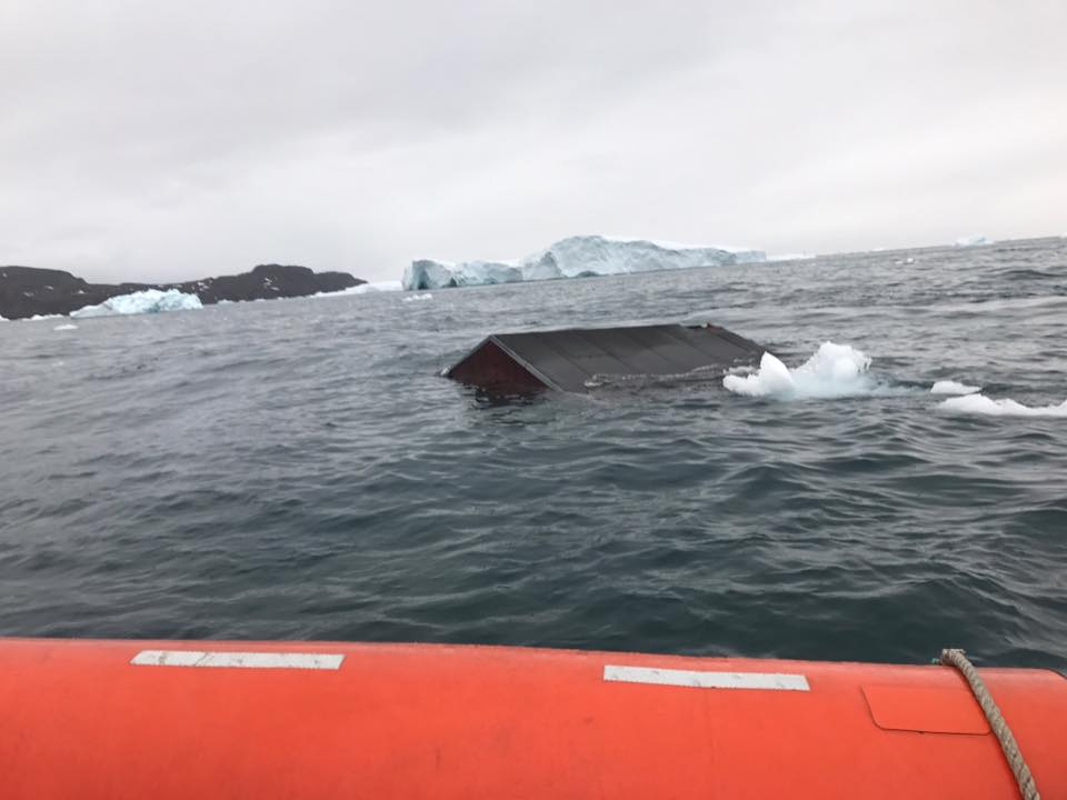 New photos from #Greenland&#39;s Joint Arctic Command of Nuugaatsiaq hit by last weekend&#39;s #tsunami. Residents won&#39;t return for at least a year. <br>http://pic.twitter.com/IDQ5FQfJn1
