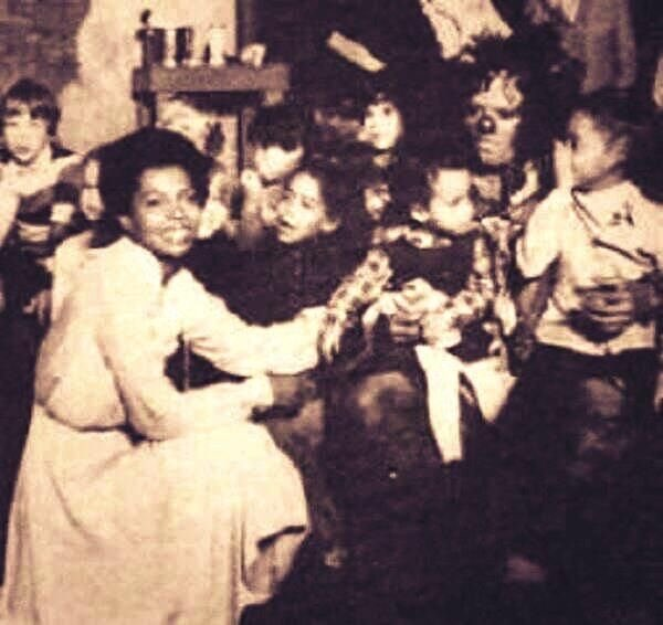 WE MISS YOU MICHAEL ~ mom michael rhonda chudney and me ~ THE WIZ http...
