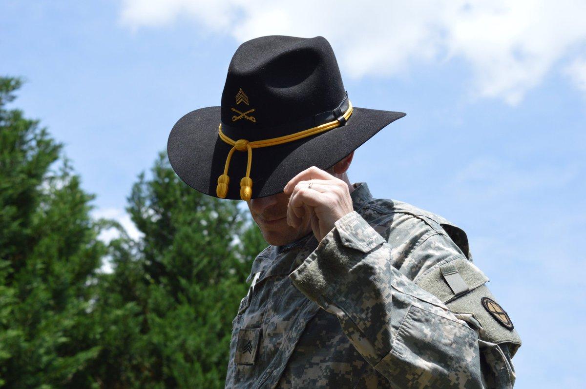.@RedTRaccoon is a  veteran w/#PTSD.  3M vets on healthcare outside #VA. #AHCA 441.3K #Veterans off #Medicaid. #FacesOfACA #TheLoyalO<br>http://pic.twitter.com/kbhx9evT3M
