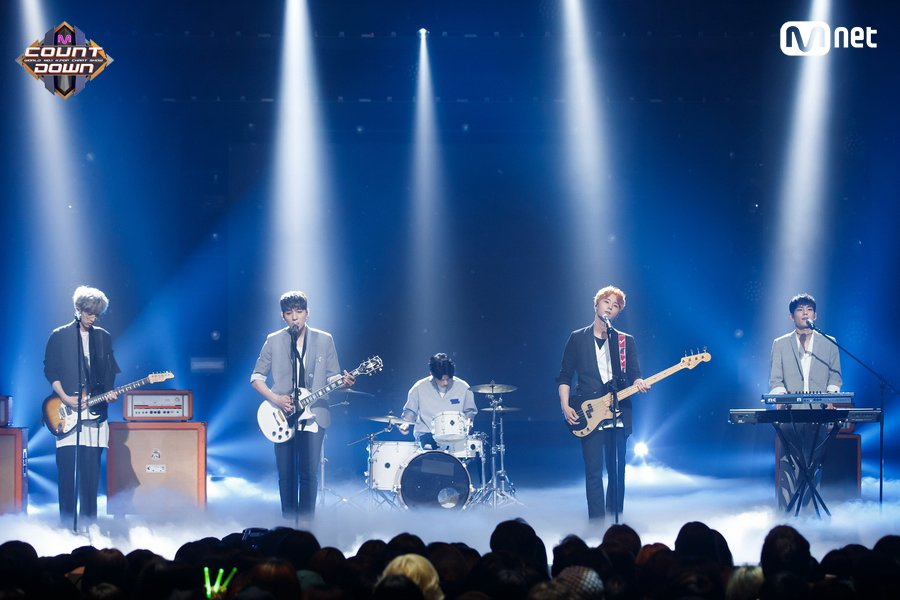 [#MCOUNTDOWN] Ep.529 TOP10 of the week! #DAY6 - #I_Smile ♪ World No.1...