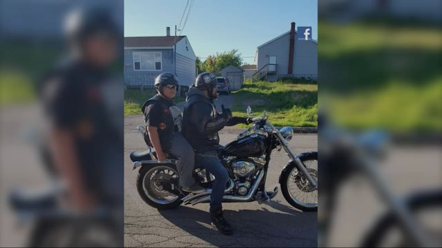 #YOURECLICKINGIT - Bullied boy gets biker escort to class https://t.co/0WiiL8Yl2q
