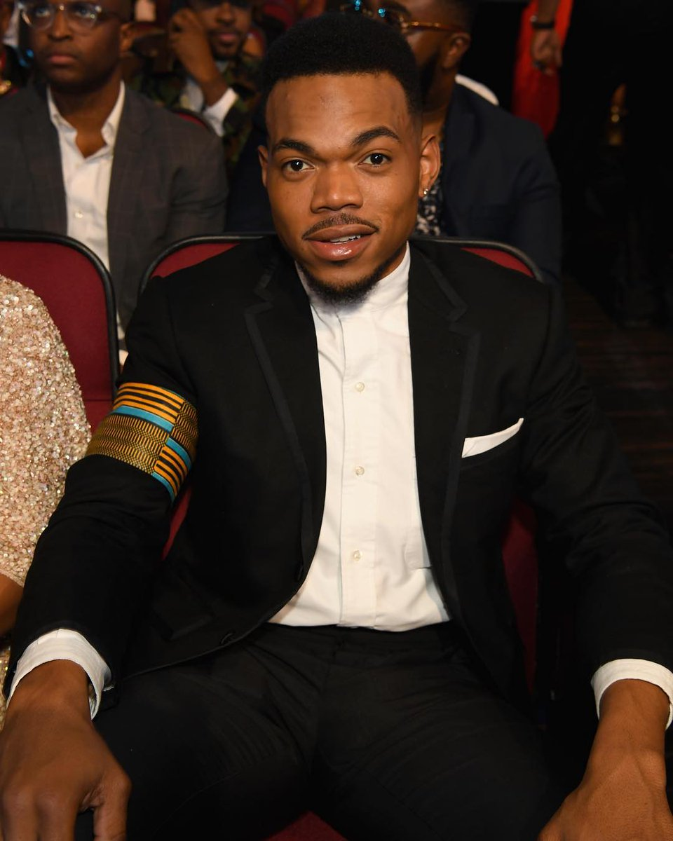 .@chancetherapper is the first rapper and youngest person to receive the @BET humanitarian award. #BETAwards https://t.co/6Zmz5TSXe6