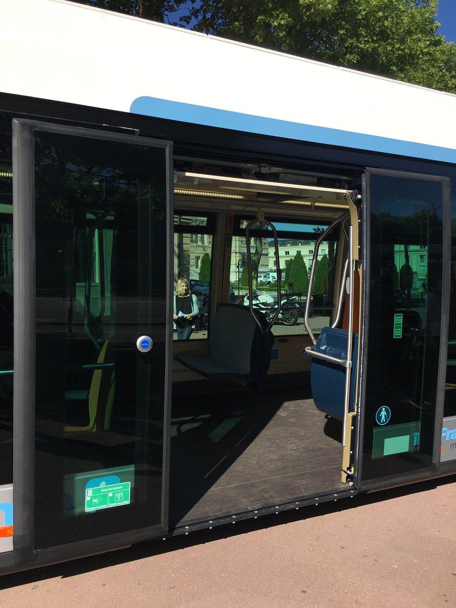 idf mobilit s on twitter le nouveau bus lectrique aptis propre et silencieux sera d ploy. Black Bedroom Furniture Sets. Home Design Ideas