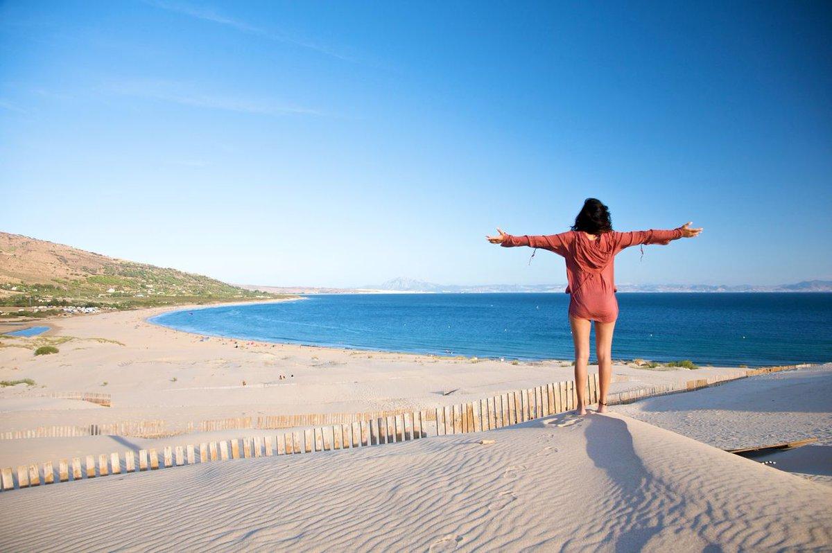 Buenos días, lunes. 'Viajar es fatal para los prejuicios, la intoleran...