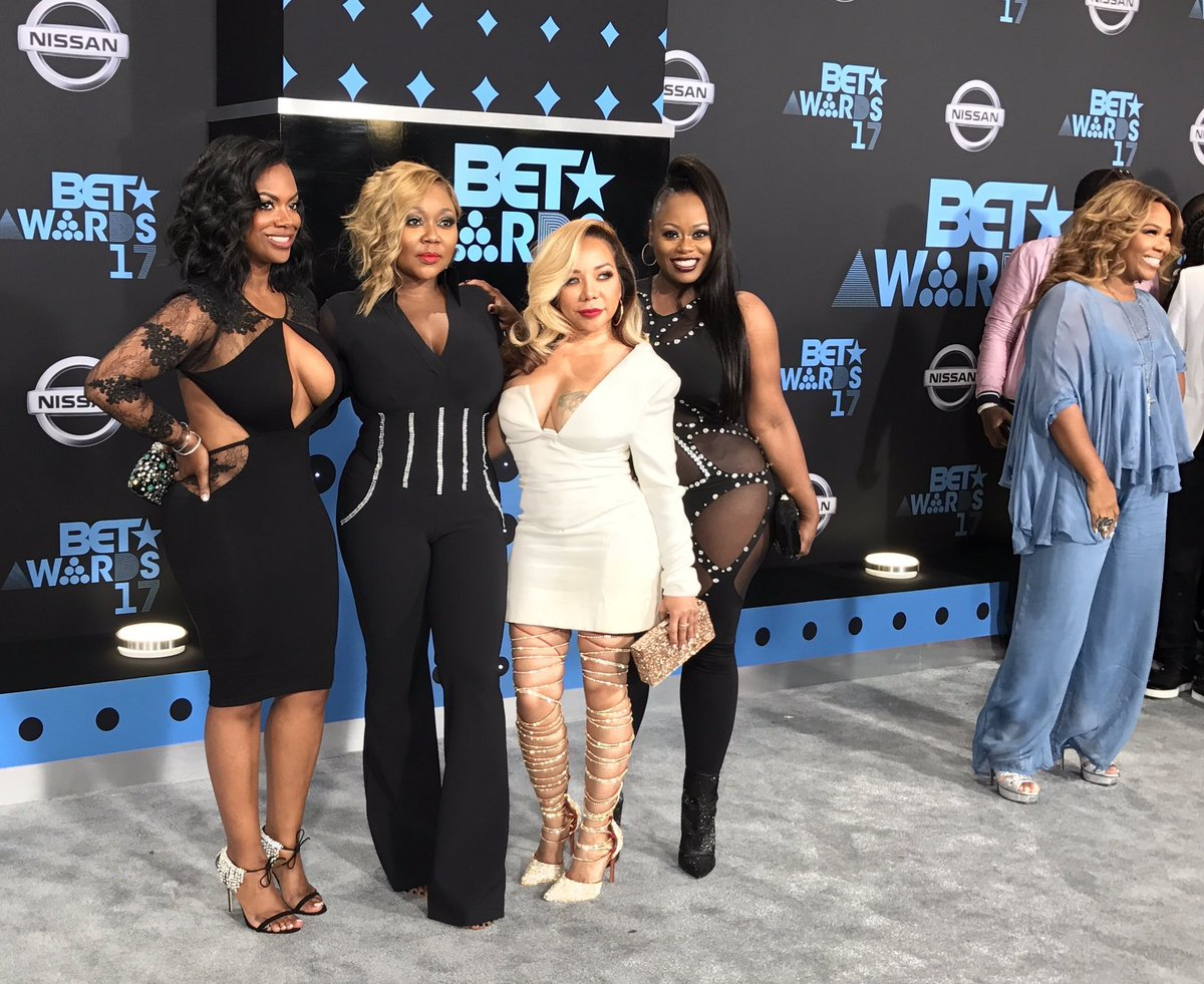 The ladies from #Xscape look really cute! #ThenandNow #BETAwards https://t.co/YTWzWUAk5S