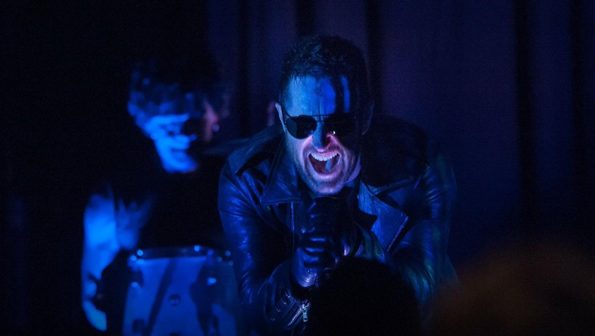 (The) @NineinchNails crashed tonight's episode of #TwinPeaks: https://...