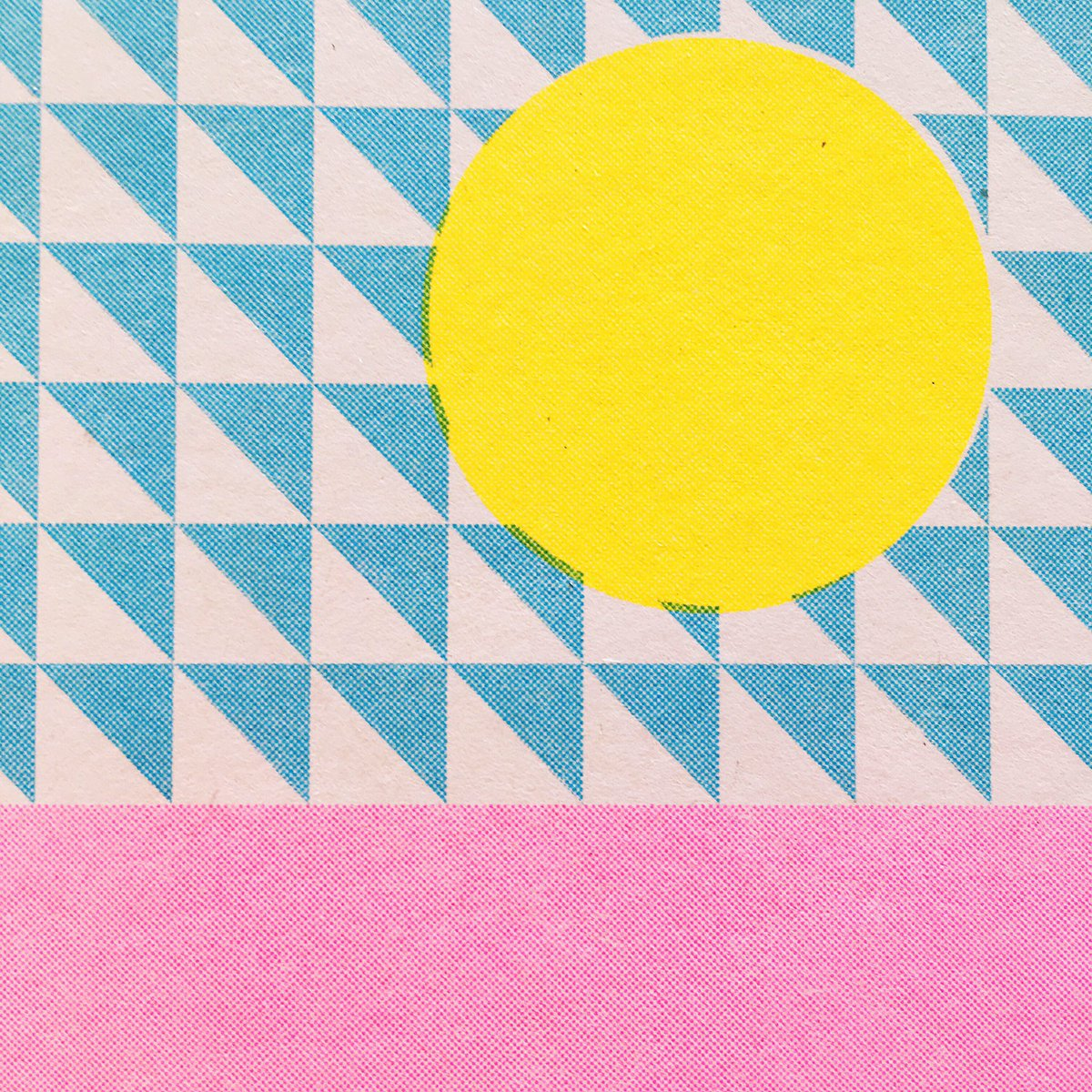 Happy Monday!   #print #risoprint #risographprint #risograph #detail #pattern #illustration #geometric #circle #neonpink #monday #happy<br>http://pic.twitter.com/kCkEUXfGT9