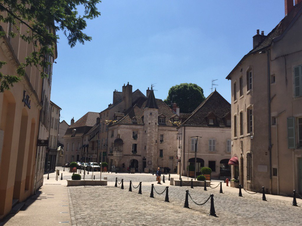 The little town of Beaune in France is absolutely gorgeous!  #France <br>http://pic.twitter.com/eM0mBT4qZv