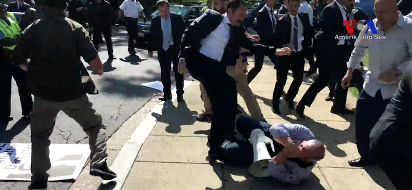 #Germany warns #Turkey that #Erdogan bodyguards involved in clash in #DC must not come to #G20 summit to Germany  http:// bit.ly/2s7lQZu  &nbsp;  <br>http://pic.twitter.com/WDE9NMBOxB