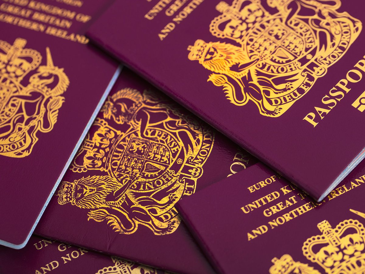 Half a million children born or raised in #UK will not get automatic #citizenship after #Brexit  http://www. independent.co.uk/news/uk/britis h-born-eu-nationals-children-gain-citizenship-after-brexit-negotiations-passport-channel-4-a7807386.html &nbsp; … <br>http://pic.twitter.com/P7tb6CIs7V