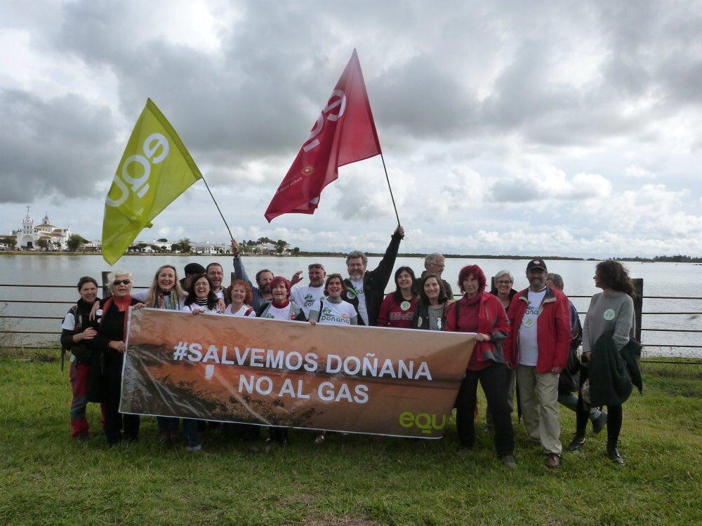Hoy más que nunca decimos que #Doñana no es lugar para un almacén de g...