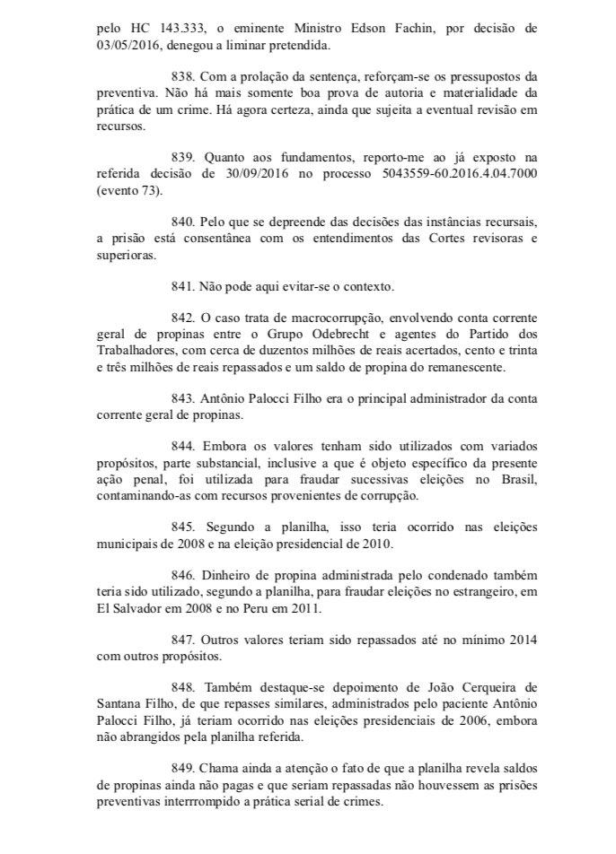 O juiz Sérgio Moro afirma que caso de Palocci envolve macrocorrupção é...