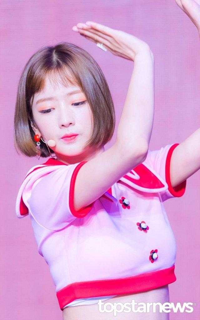 [HD포토] 에이핑크(Apink) 윤보미, '인형美 뽐뽐'  #에이핑크 #Apink #PinkUP #FIVE #윤보미 #보미. https://t.co/5Mf0oRZRVz