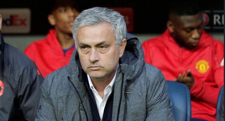 Manchester United suffer major transfer blow as summer target is taken...