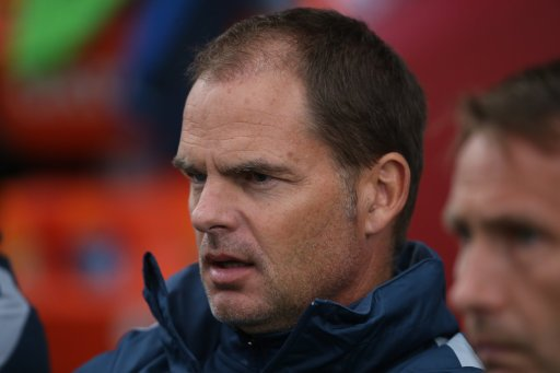 BREAKING: @CPFC appoint Frank de Boer as manager. #SSNHQ https://t.co/...