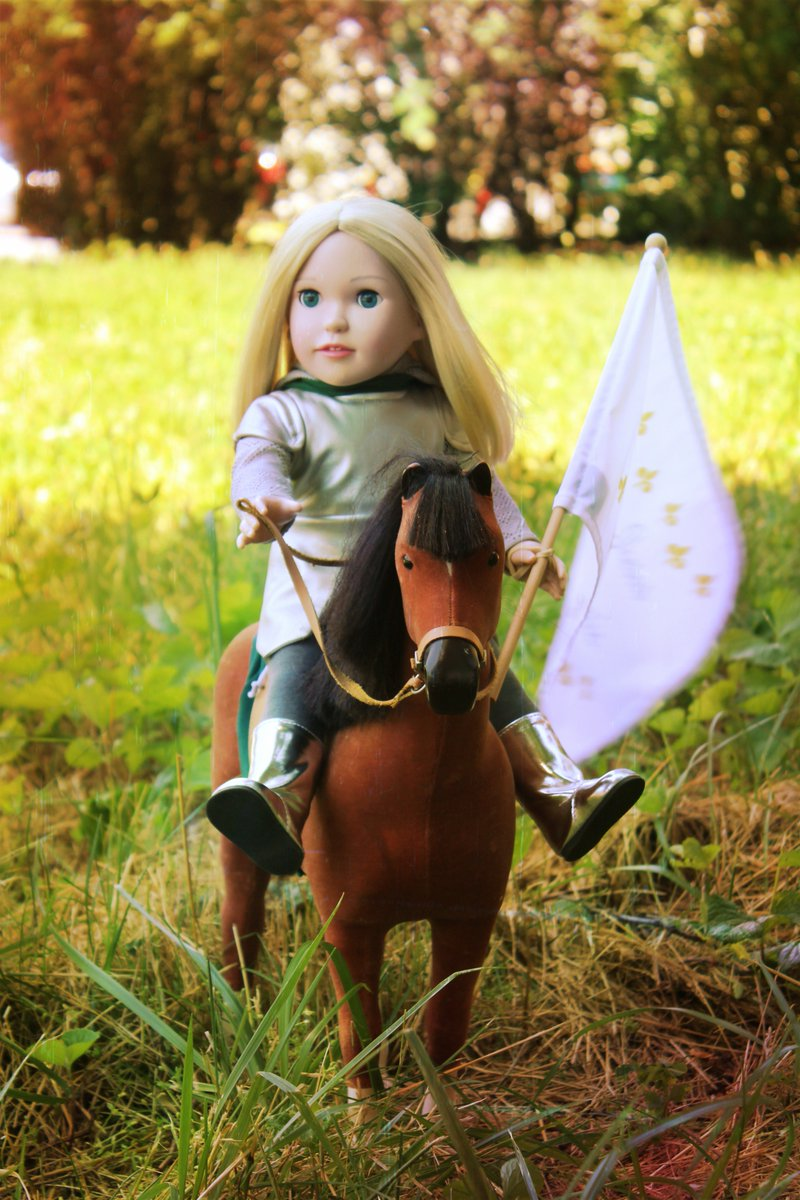 """Joan of Arc riding bravely into battle, read more about her inspiring life with the """"She is Joan"""" #book  http:// Dollsfromheaven.com  &nbsp;   #Catholic<br>http://pic.twitter.com/Nk1SMfwyW3"""
