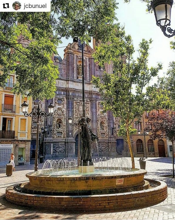 Good morning and happy Monday !! #Zaragoza has many charming places to be discovered while walking around its streets #PlazadelJusticia<br>http://pic.twitter.com/m7EZQ8w8qk