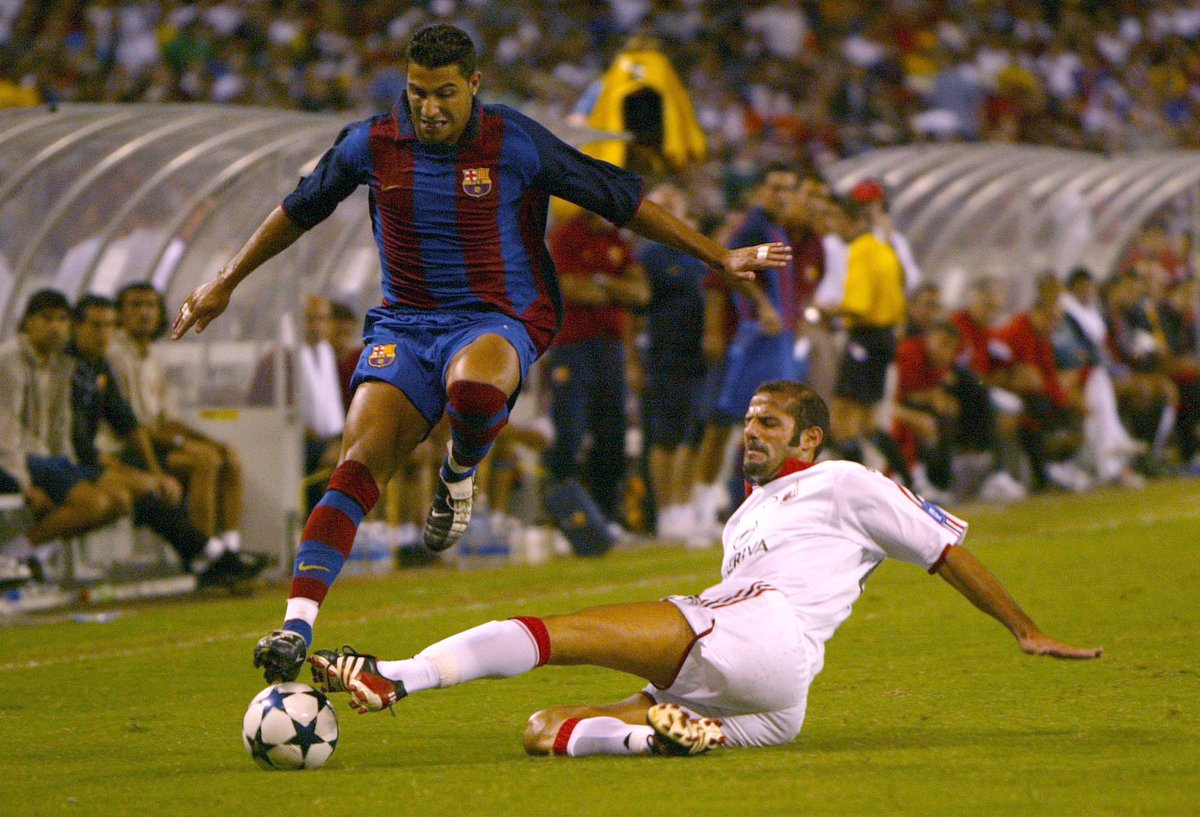 No better day to celebrate @07RQuaresma - the man whose magic feet once earned him the nickname &#39;Harry Potter&#39;! #UCL #HarryPotter20 <br>http://pic.twitter.com/yU9E4B5kqa