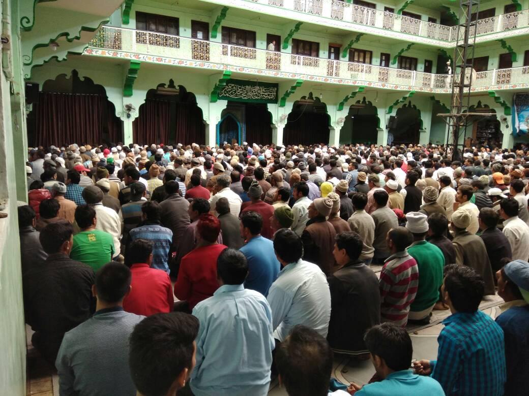 #EidulFitr celebrations: People offer prayers, exchange greetings in #...